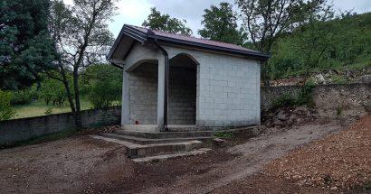 """Uređenje kapelice u groblju """"Troskoti"""""""