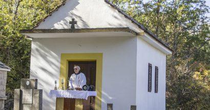 Povodom blagdana Svih Svetih na Galcu i Troskotima služene svete mise
