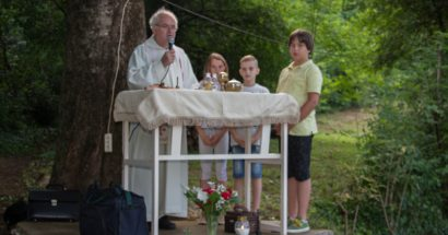 Uočnica svetog Ivana: Tradicionalna sveta misa na Babunu, Ilići