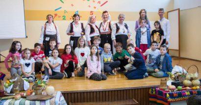 Izvorna skupina HKUD – a 'sv. Ante – Cim' Mostar posjetila Desetu osnovnu školu u Mostaru